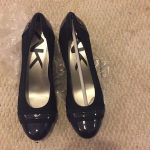 Beautiful mixed media navy blue shoes